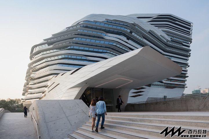 扎哈·哈迪德设计 香港理工大学Jockey Club 设计院