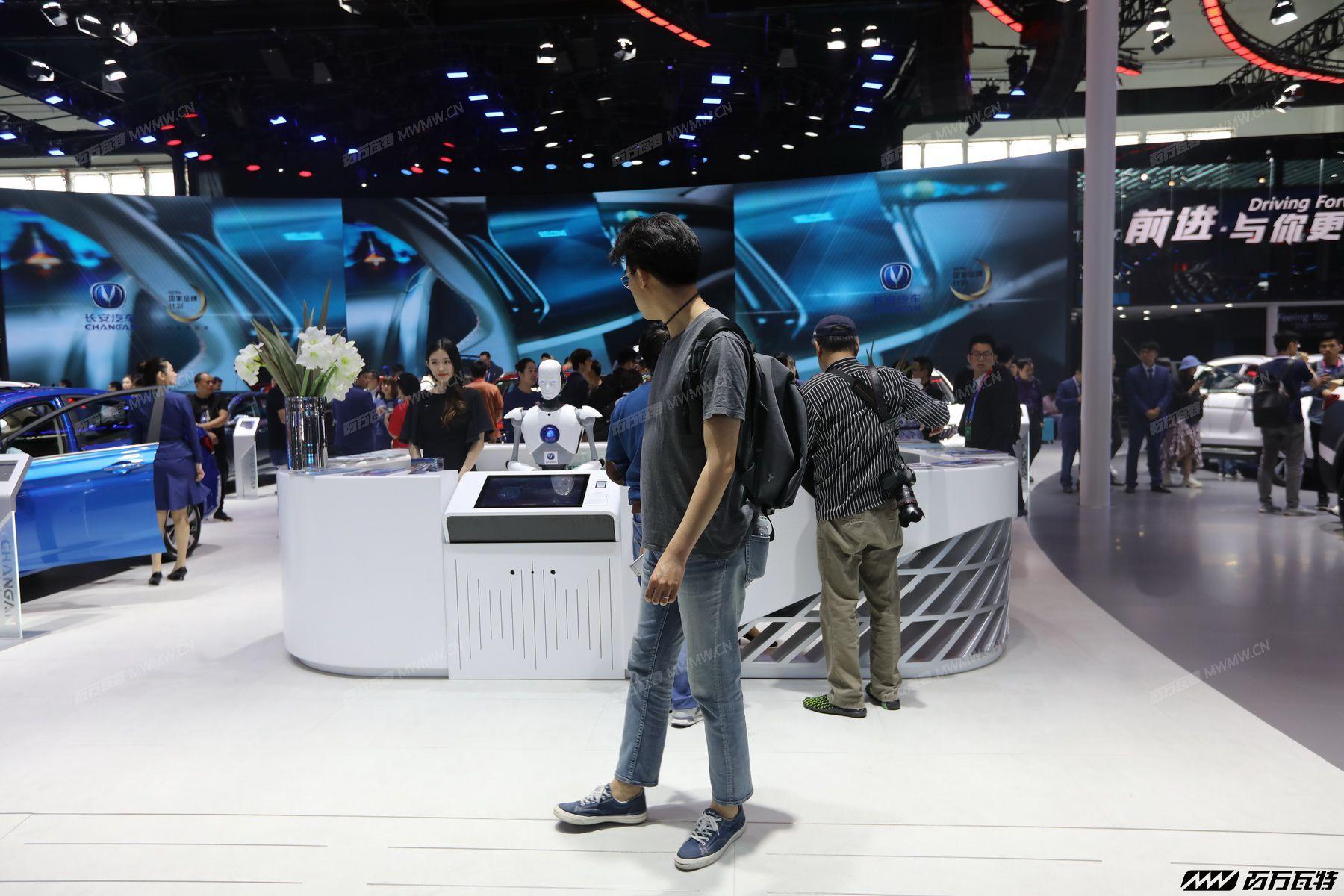 2018北京车展前台集锦 (16).JPG