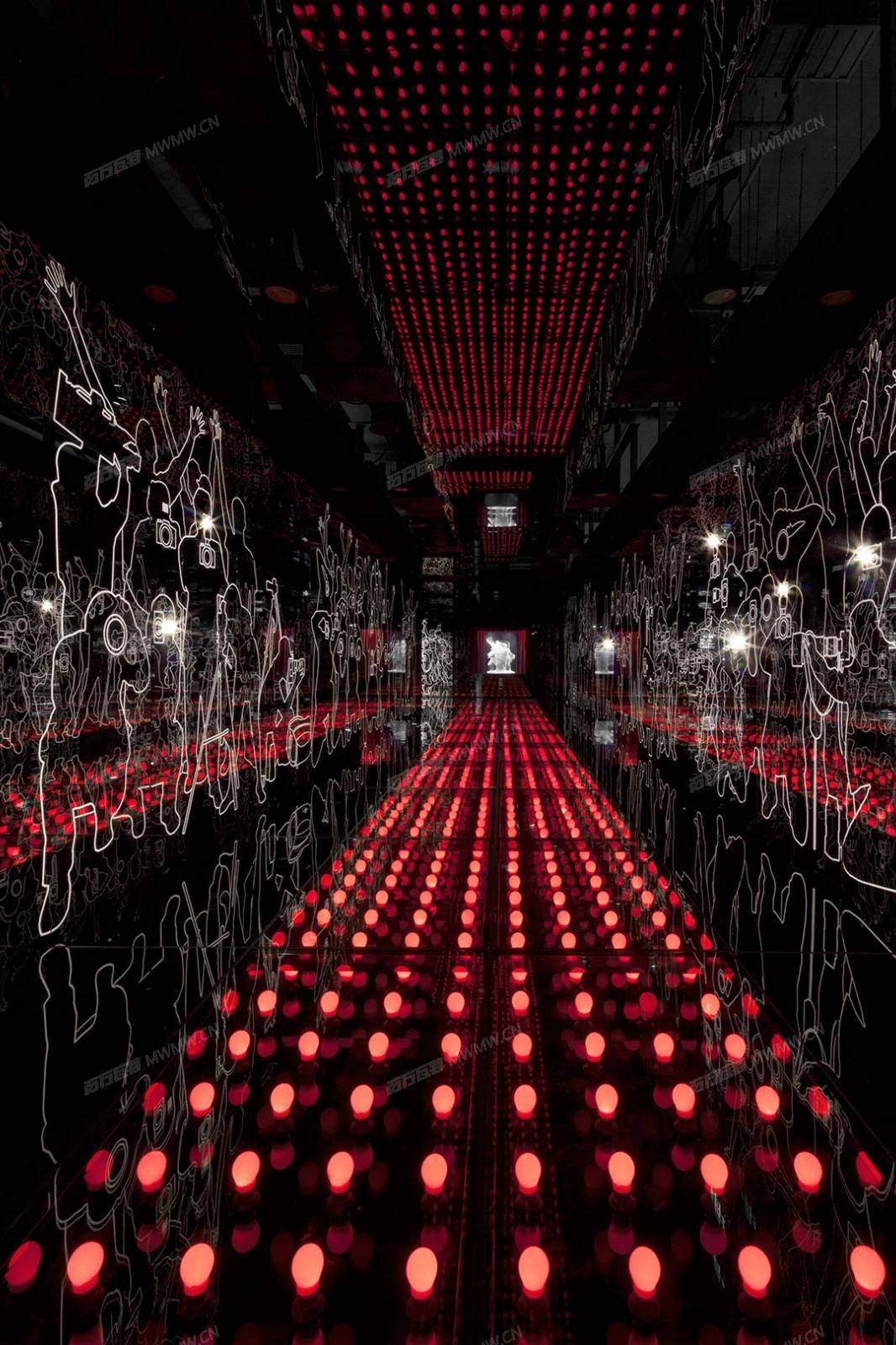 SFM_F4_Carpet_of_Lights_02.jpg